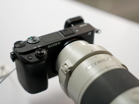 From the front, the A6300 looks similar to other Sony
