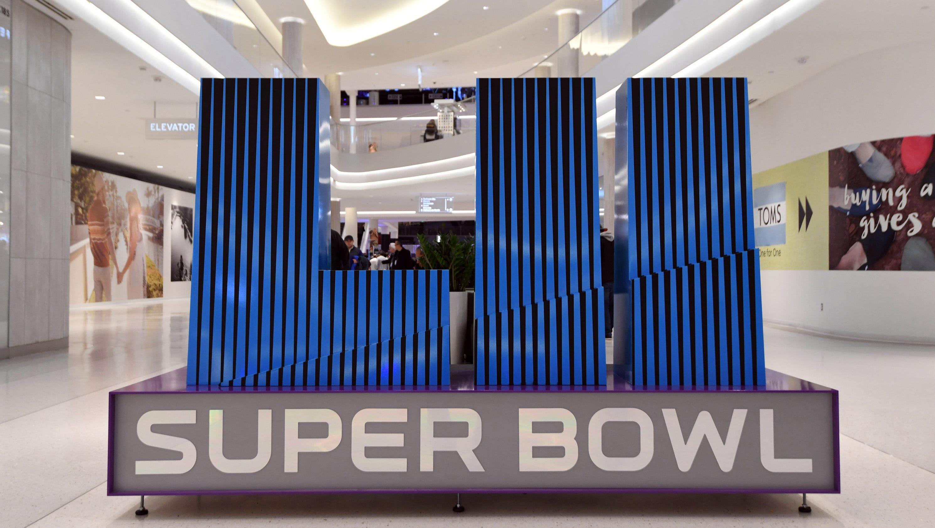 636530124624522158-usp-nfl-super-bowl-lii-city-scenes-97044642