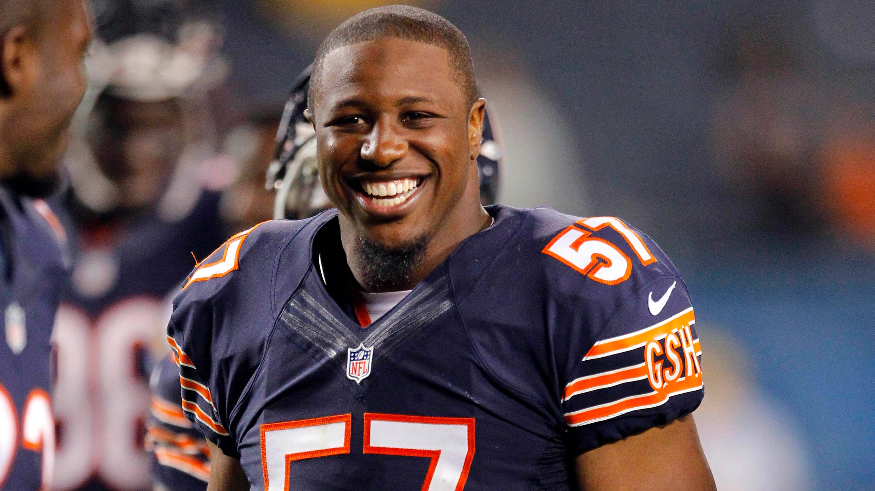 Bears Rookie Lb Jon Bostic Fined 21 000 For Illegal Hit