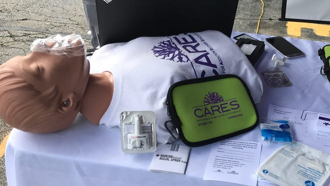A Morris County group handed out naloxone kits at Kinnelon Mall on Thursday.