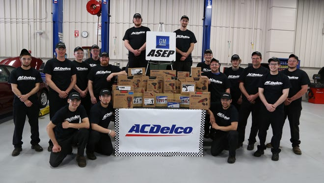 GM ASEP students at FVTC earned free tools from ACDelco.