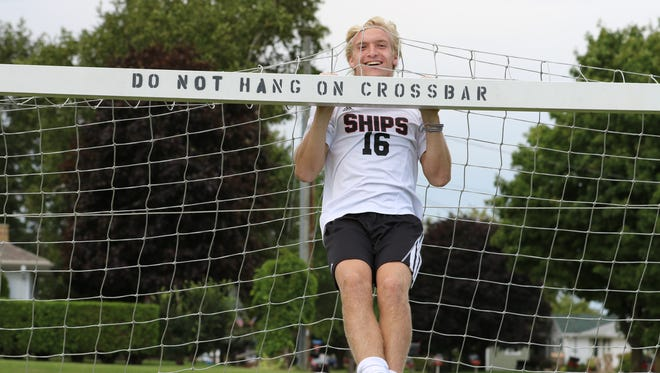 Manitowoc Lincoln soccer player Michael Henry is this week's Senior Spotlight.