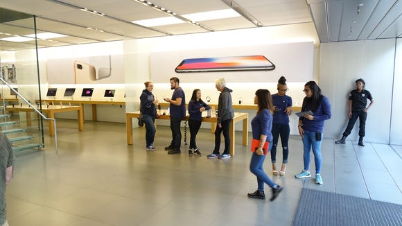 Things were quiet at the flagship Apple Store in Los
