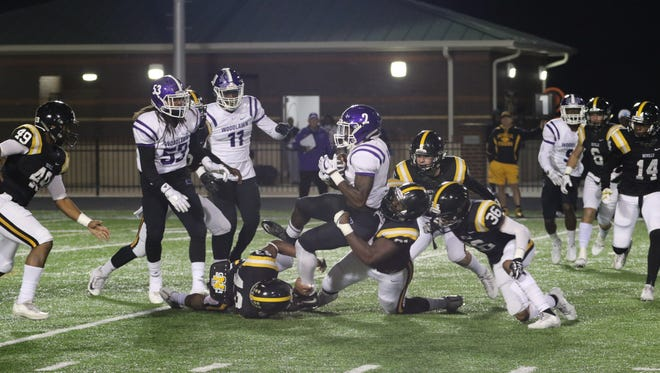 Neville's defense didn't allow a touchdown for the second-straight game in a 28-3 win over Woodlawn-Baton Rouge in Round 1 of the LHSAA Class 4A playoffs.