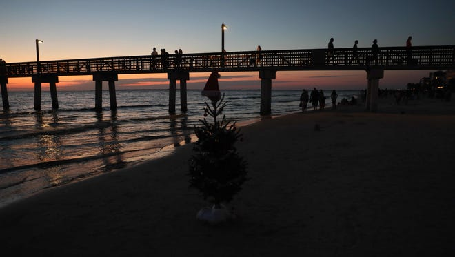 Christmas Day ends with a beautiful sunset on Fort Myers Beach. Temperatures hovered in 70's. Other parts of the country were dealing with snow and are expected to get more over the next few days. Southwest Florida will see temperatures in 60's-80's.