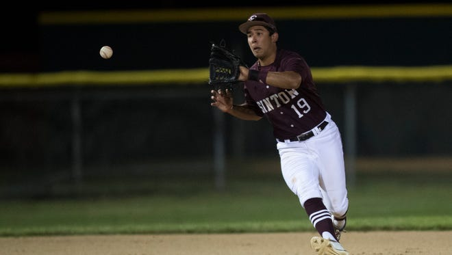 Sinton's Chris Garcia fields the ball on Tuesday, April 10, 2018 at Steve Castro Field in Robstown.