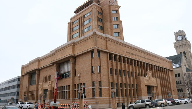 The Woodbury County Courthouse is the world's largest public building in the Prairie School style.