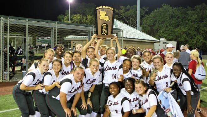 Ouachita swung away for 14 hits after falling behind 7-0 and came back to beat Hahnville 10-9 to win the Class 5A state championship on Saturday night at Sulphur's Frasch Park.