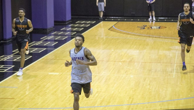 Shannon Evans II practices during the Suns' predraft workout on Tuesday.