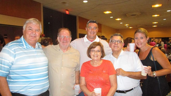 Rick Guidry, Pat Mould, Elaine, Mike and Jeff Guidry and Tara Ewell