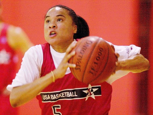 U.S. Women's Olympic basketball player Dawn Staley drives for the basket during training on Tuesday, August 15, 2000.