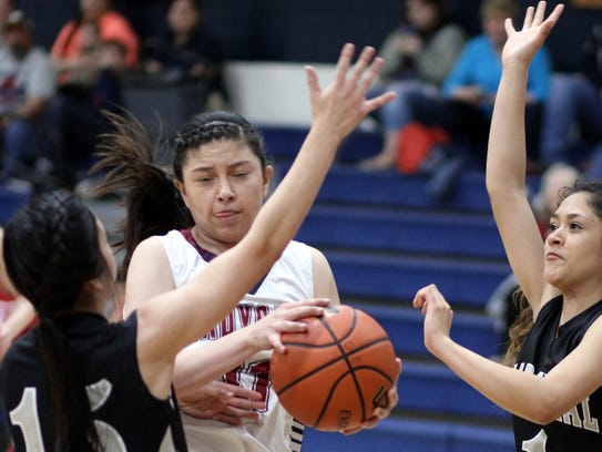 Lady Cat Adriana Giron finds herself double-teamed