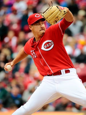 Cincinnati Reds pitcher Robert Stephenson (55) delivers a pitch in the top of the eighth inning.