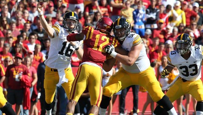 Iowa quarterback C.J. Beathard grows by the game.