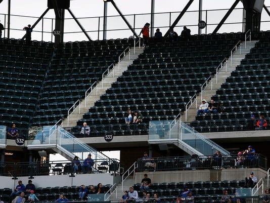 Attendance_Drops_Baseball_40230.jpg