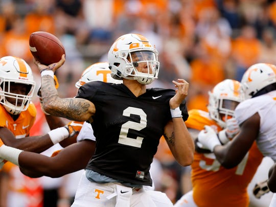 Tennessee_Spring_Game_Football_36613.jpg