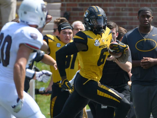 Missouri wide receiver J'Mon Moore runs for a touchdown
