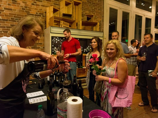 Wine Around the Square2015