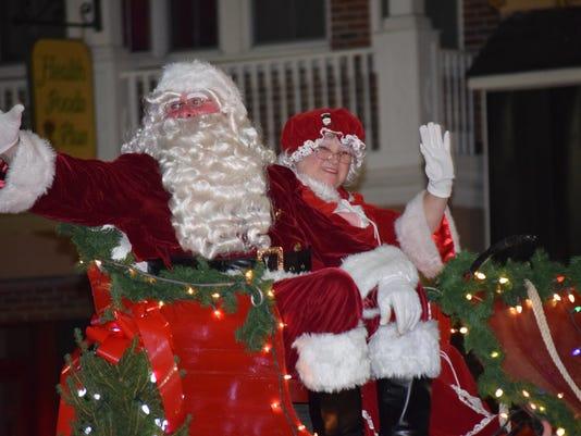 635844093870806248-Vld-Christmas-Parade-1.jpg