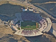 Sparse crowd at start of Sun Bowl pope event