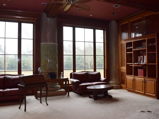 Businessman Aaron Slayter Sr., created the Maison Bonne Vive (ÒThe Good LifeÓ), a 20,000-square-foot home located at 2019 Horseshoe Drive in Alexandria. The house features a large office with custom Mahogany bookcases.