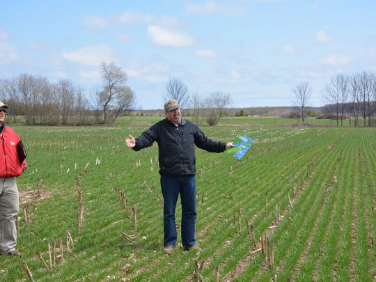 Dennis Frame, Unversity of Wisconsin-Extension, explains the importance of obtaining soil depth data, particularly in the karst regions of Kewaunee and Door counties..