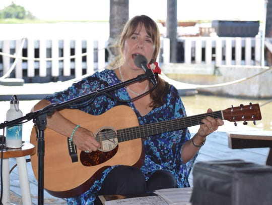 New Jersey's Troubadour Valerie Vaughn perfoms on the