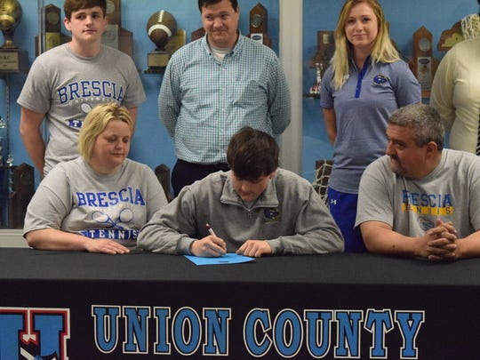 Tyler Steelman signs to play tennis at Brescia