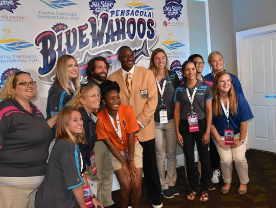 Derrick Brooks with members of the Pensacola Blue Wahoos
