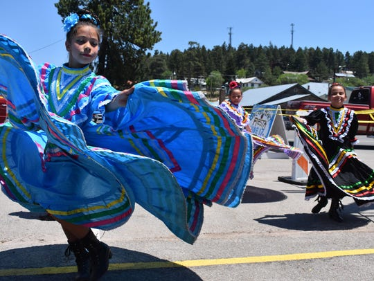 Alamogordo Folklórico dancers perform on Saturday afternoon.