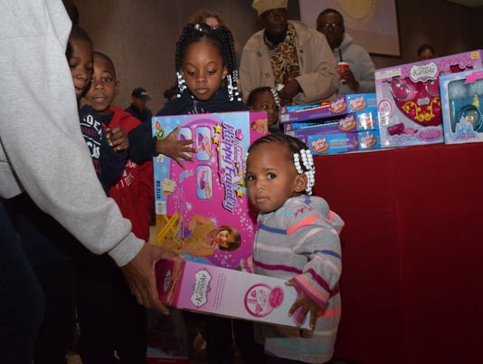 Doll & Toy Fund distribution held Saturday, Dec. 16, 2017 at Alexandria City Hall. The Town Talk and the Rotary Club of Alexandria sponsor the Doll & Toy Fund. The Bolton ROTC volunteers to help hand out the toys every year.
