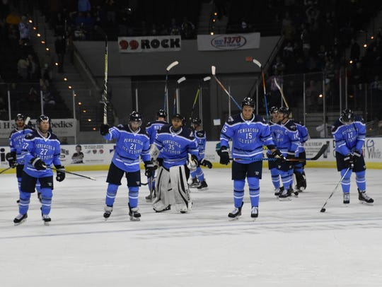 The Ice Flyers salute their fans after Saturday's 5-2