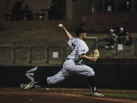 Texas A&M freshman pitcher and King grad Dustin Saenz