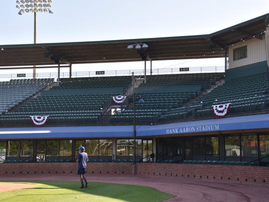 The Pensacola Blue Wahoos take batting practice at