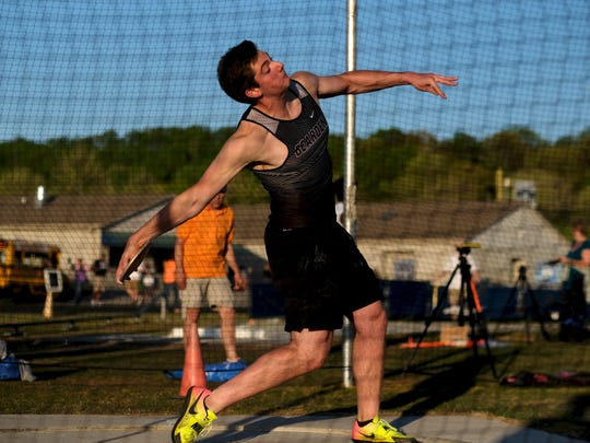 Bearden's Josh Sobota attempts a disc throw during