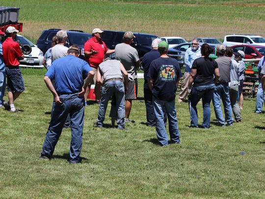 Clint Hodorff shares information with field day attendees
