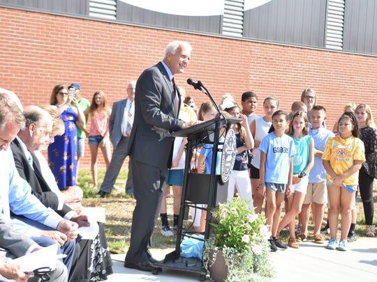 Knox County Schools Superintendent Bob Thomas greets
