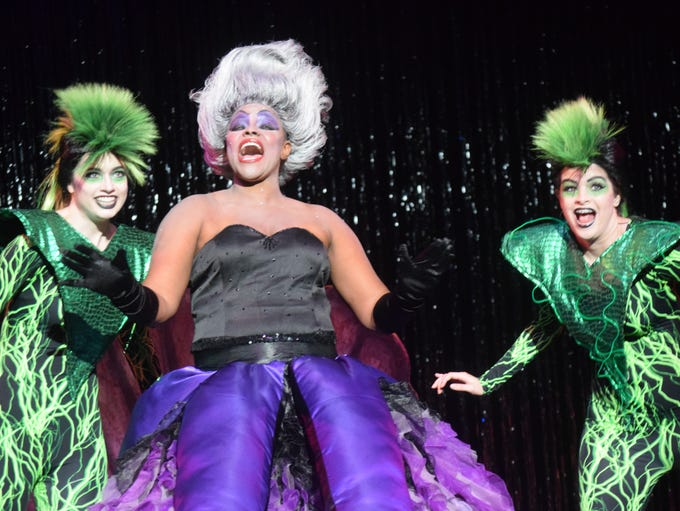 Katoya Flowers (center) stars as Ursula the sea witch