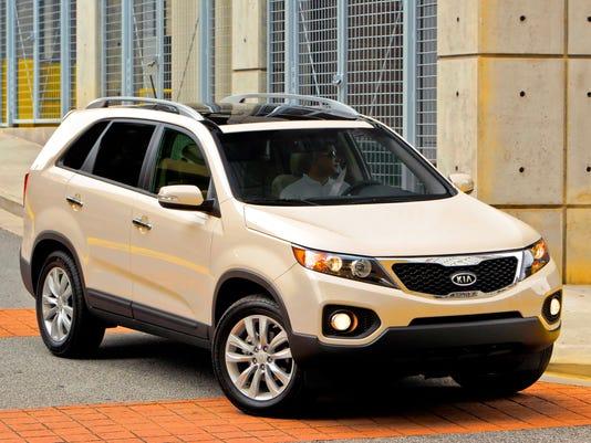 XXX TEST DRIVE_2011 KIA SORENTO_1.JPG