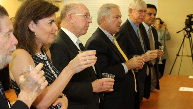 Pat Adams, Georgia Hiller, Mayor Sorey, Dick Klaas, Thomas Garlick and Miche.jpg