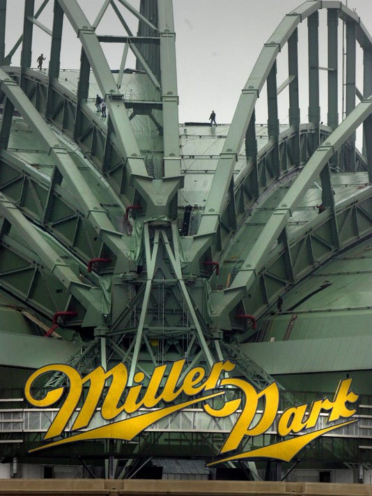 Smokeless tobacco to be banned at Miller Park