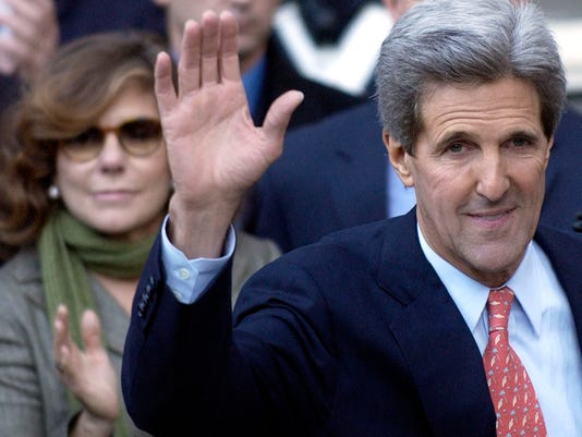 GTY KERRY CONCEDES ELECTION TO BUSH A POL USA MA