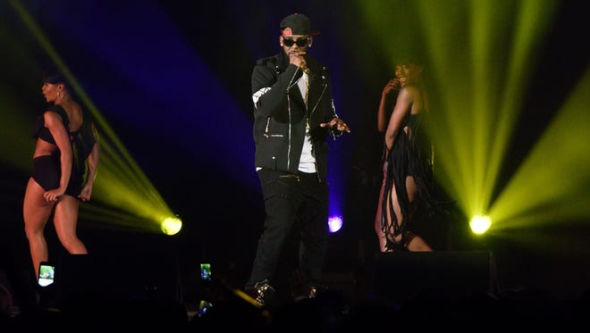R. Kelly performs during The Buffet Tour at Allstate Arena on May 7, 2016 in Chicago, Illinois.