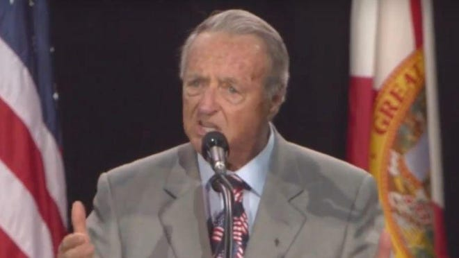 Bobby Bowden introduces Donald Trump at Trump's rally Monday in Tampa.