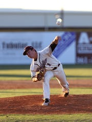 Calallen's John Gaddis pitches in the second inning