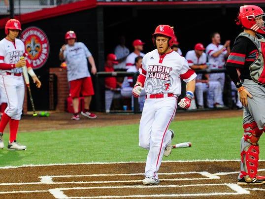 635966959814021791-tda.Cajuns-Nichols.baseball.04.19-0040.jpg