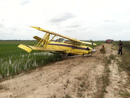 635985783325526066-Crop-Duster-Emergency-Landing.jpg