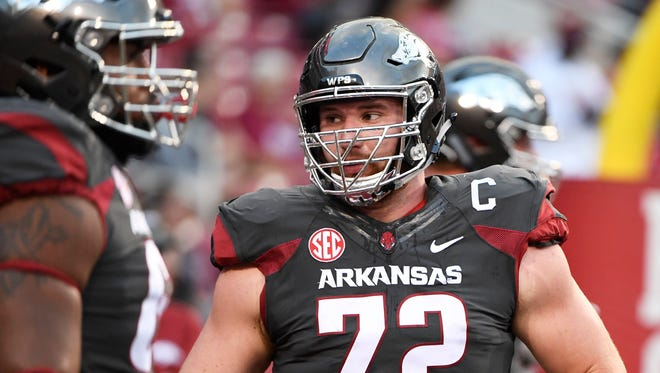 Arkansas lineman Frank Ragnow (72) warms up as he prepares to play Auburn in Fayetteville, Ark., Oct. 21, 2017.