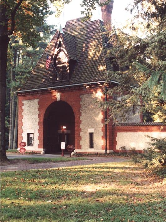 Biltmore Entrance 1209.jpg