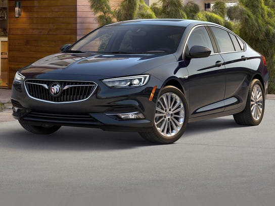 2018_Buick_Regal_DISPLAY